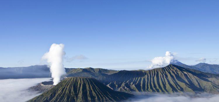 java-volcanbromoaudessusdesnuages-voyagesurmesure-unmondeapart